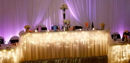 Head Table with cocktails