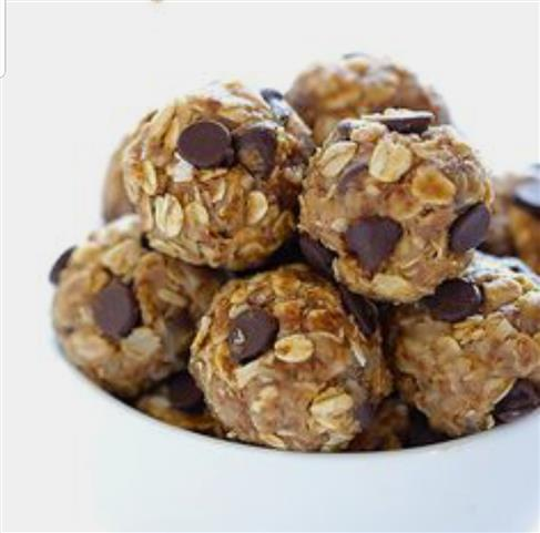 Chocolate chip oat balls.