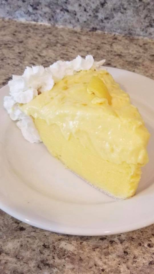 Homemade Lemon Cream Pie