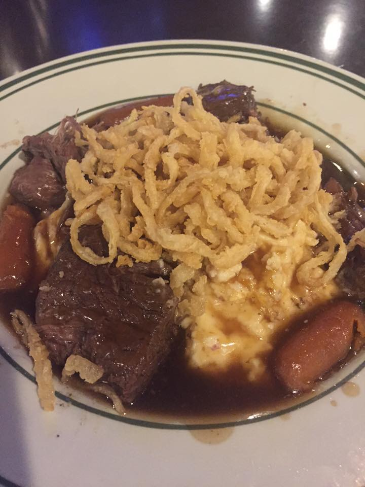 Beef stew with onion crisps