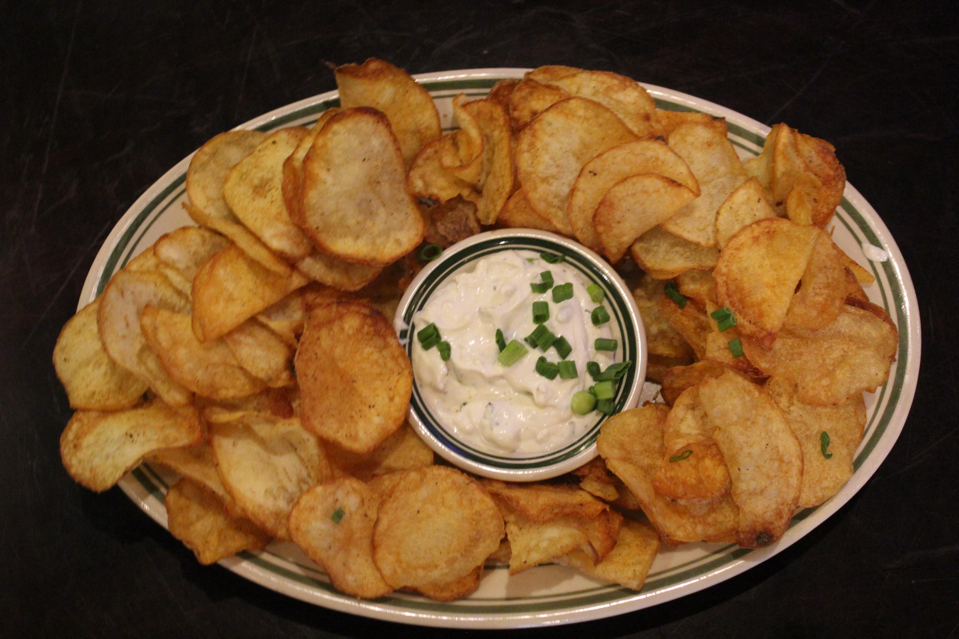 Kettle chips and onion dip