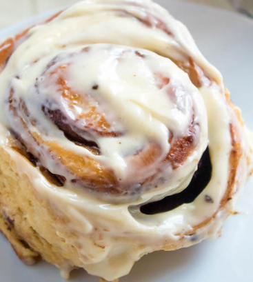cinnamon roll with icing