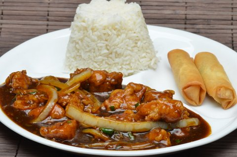 chilli chicken with rice and egg rolls