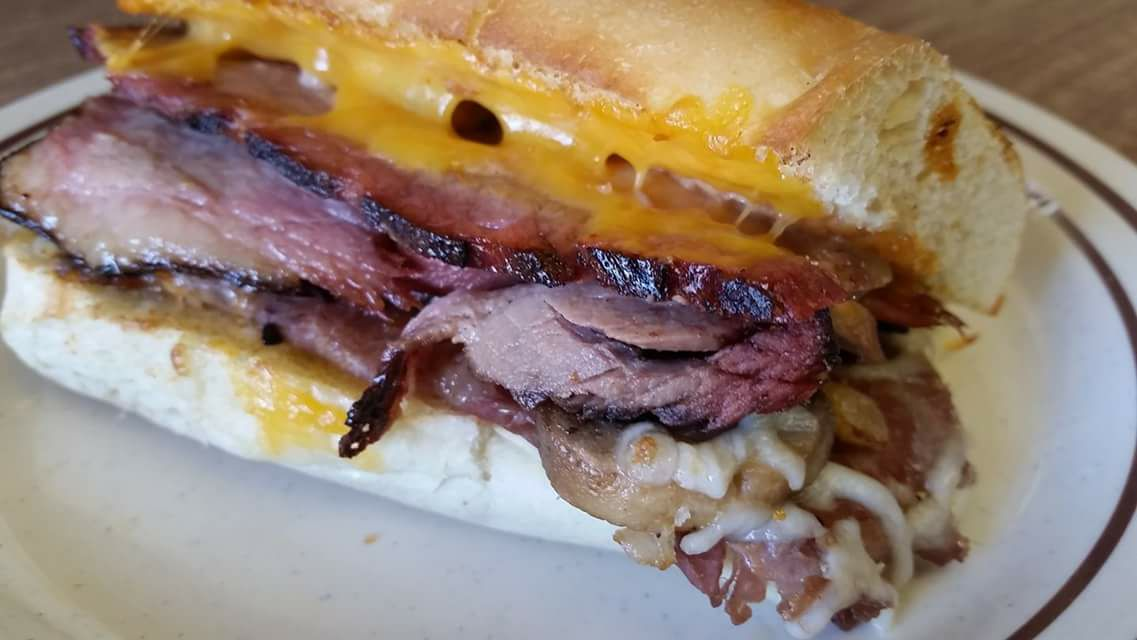 roast beef sub with cheese