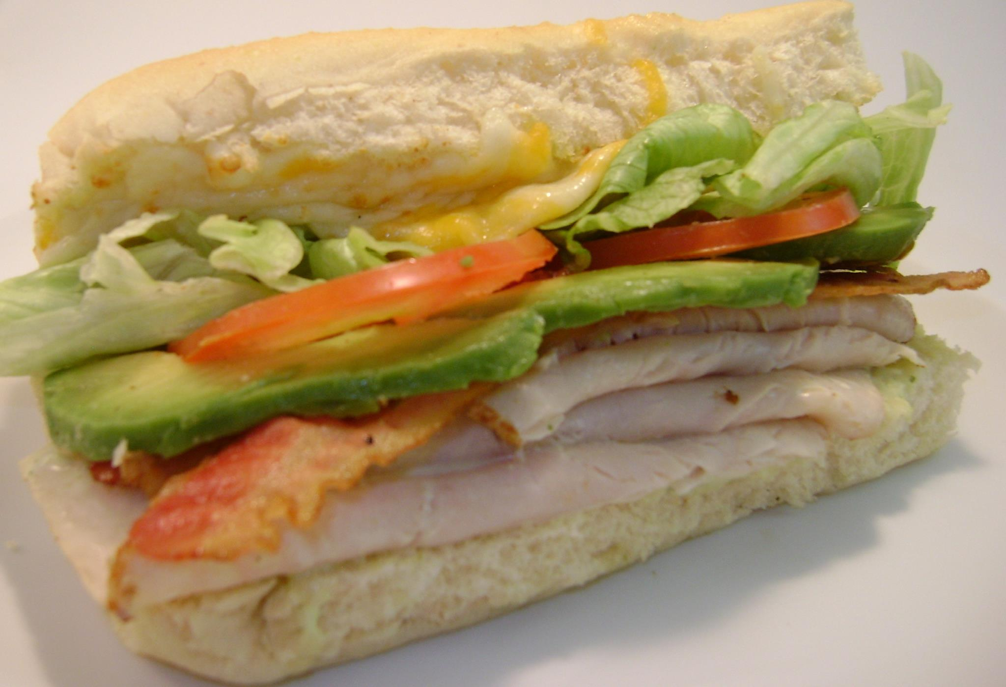 turkey sub with avocado and vegetables
