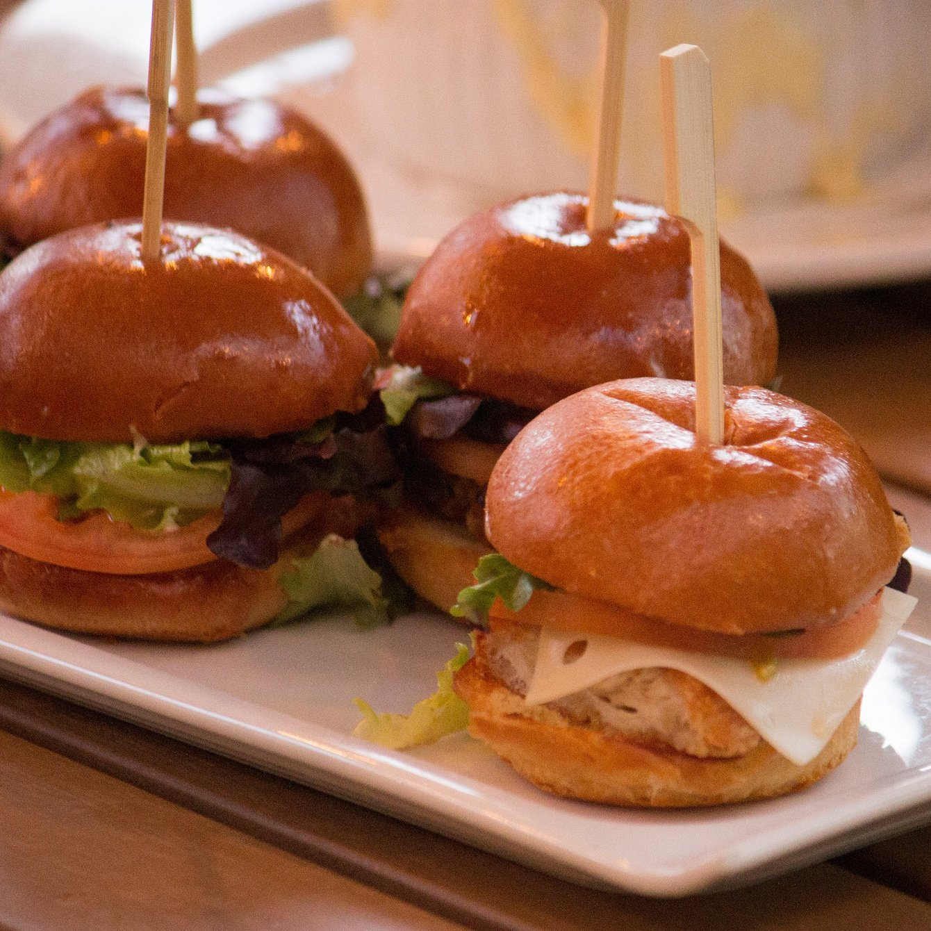 4 fried chicken sliders
