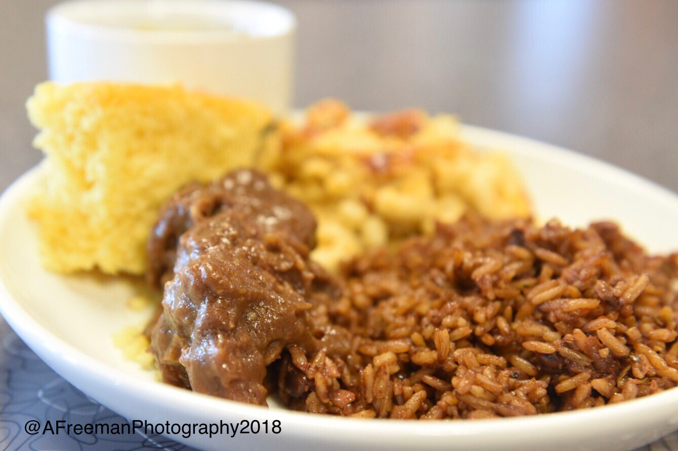 Ox tail with rice and biscuit