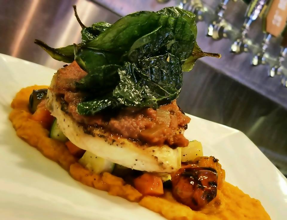 chicken with spinach and mashed sweet potatoes