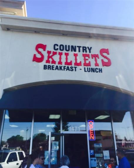 Country Skillets breakfast, lunch sign over front entrance