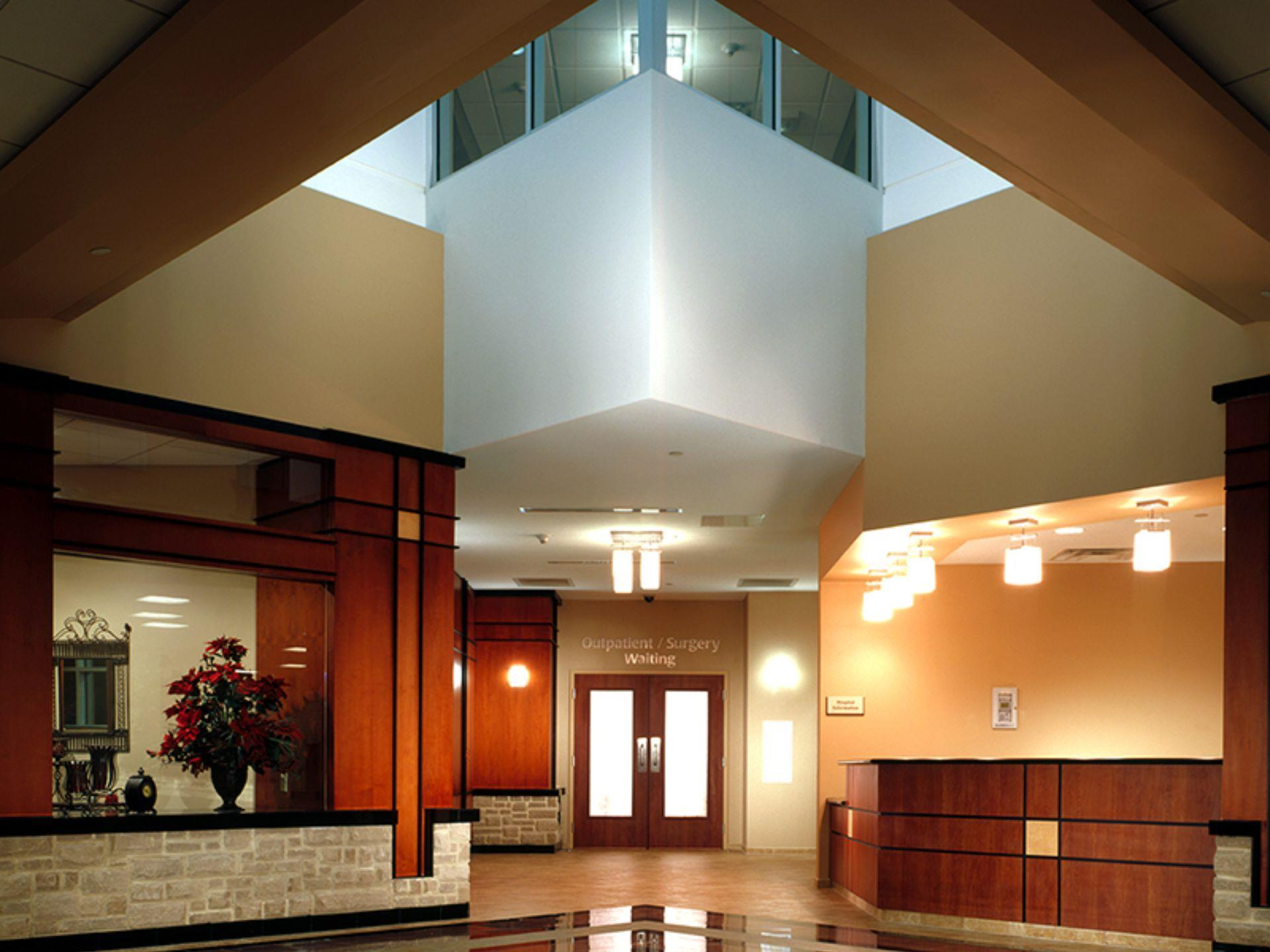 Outpatient/surgery waiting room with open lobby