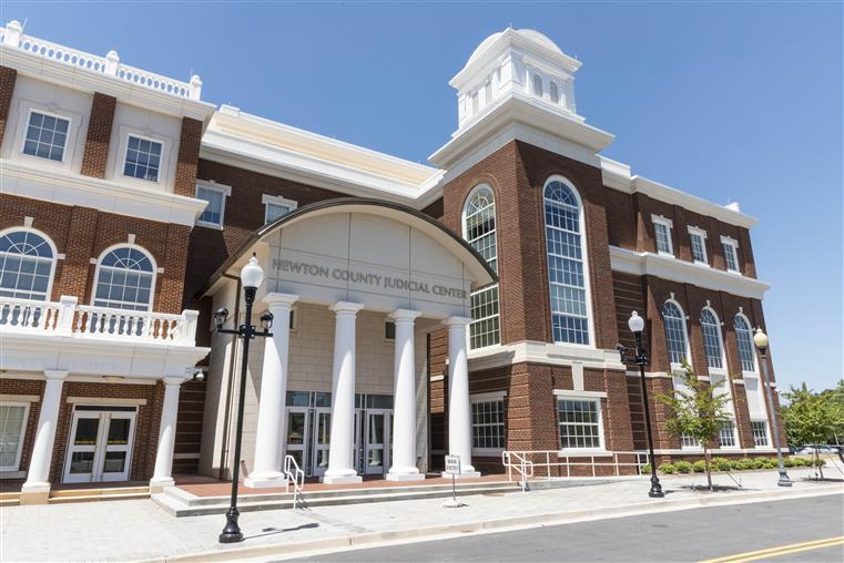 Courthouse - Judicial - brick building with white columns