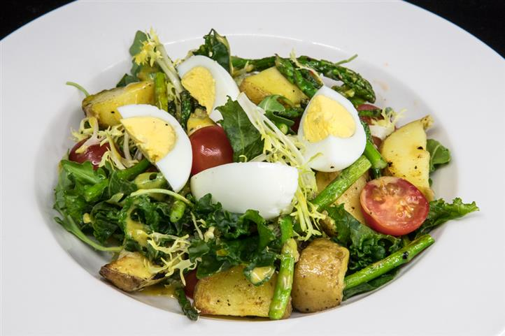 roasted potato aspargus salad with hard boiled eggs
