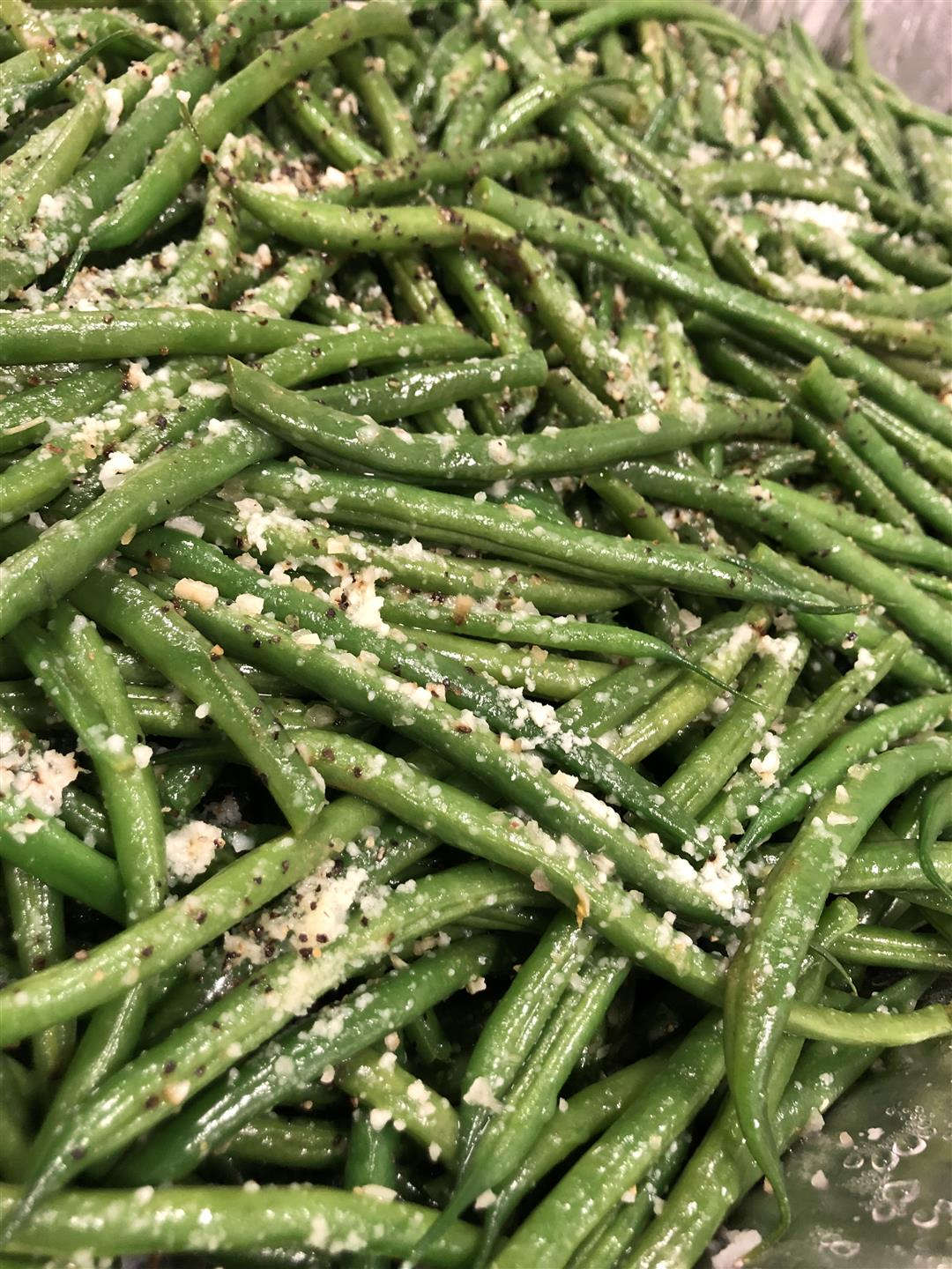 tray of seasoned green beans