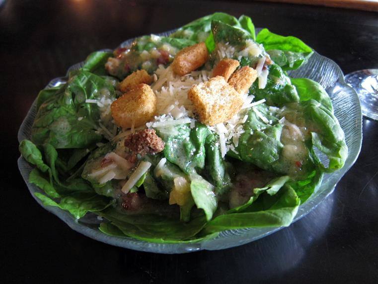 Cesar salad with croutons