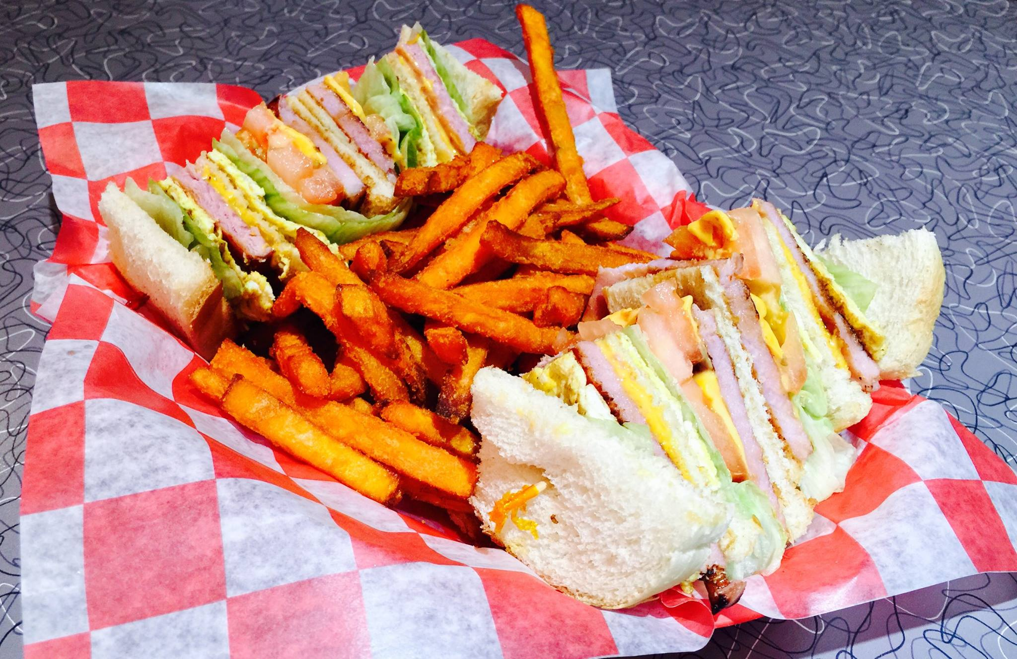 Sandwich with sweet potato fries