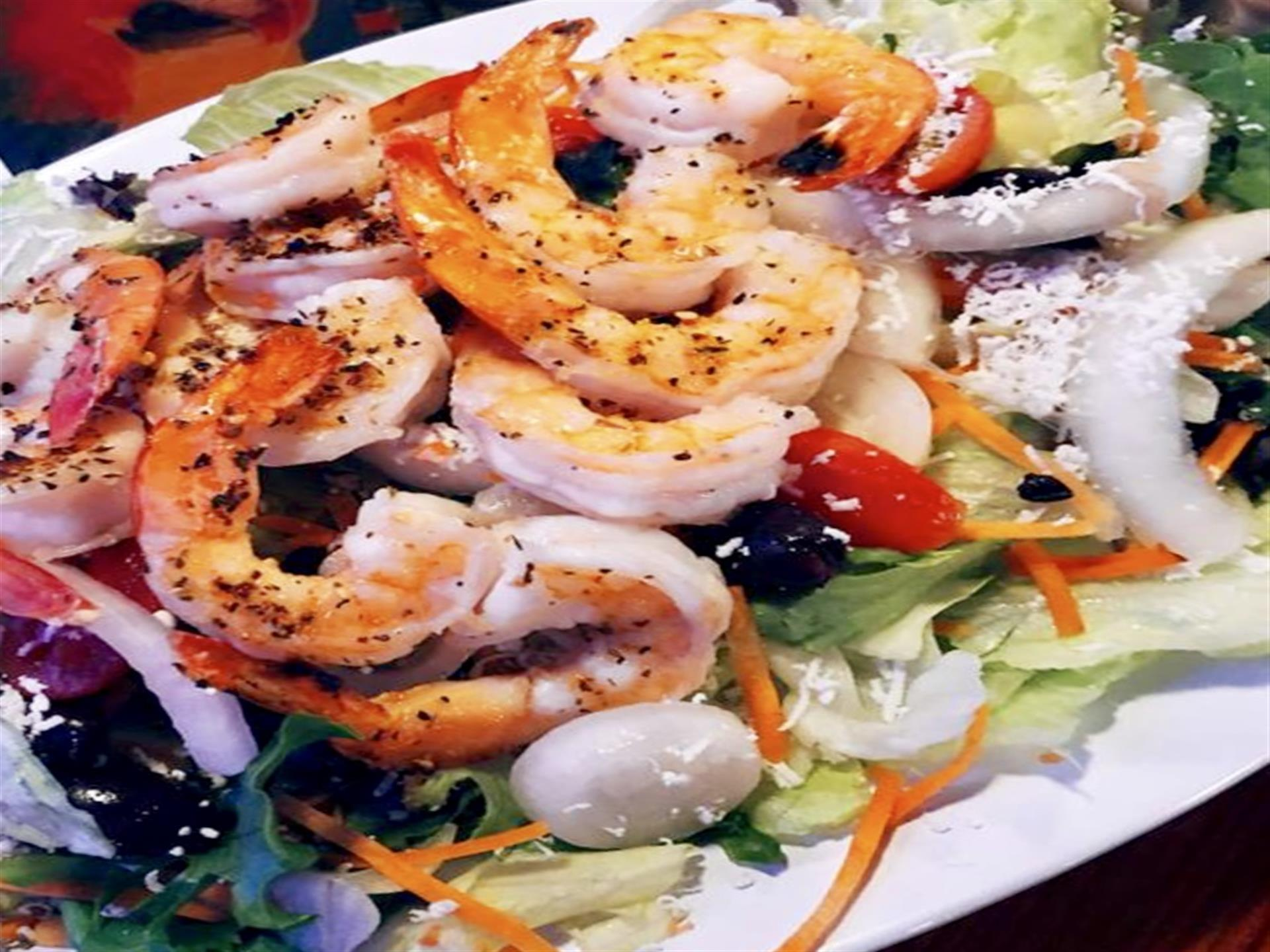 Medium Shrimp & Salad