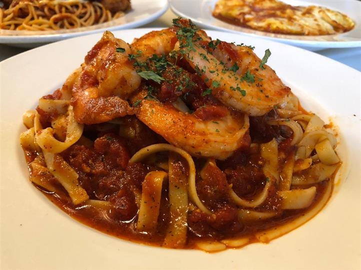 Linguine in marinara with shrimp