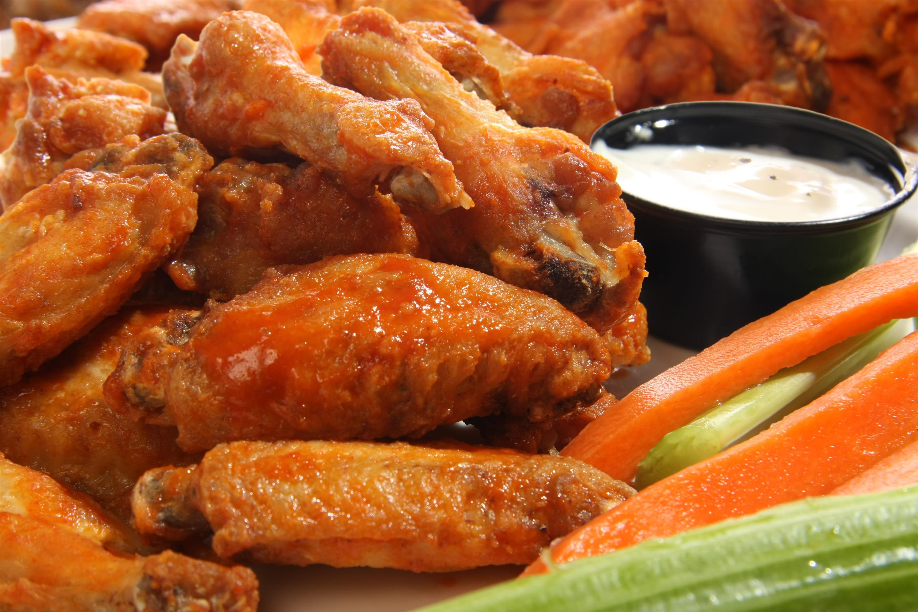 Buffalo wings with side of ranch, celery, carrots
