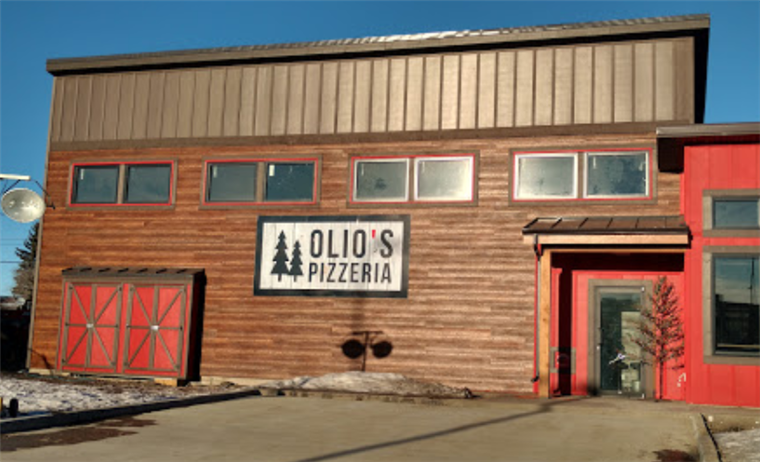 front entrance of olio's pizzeria