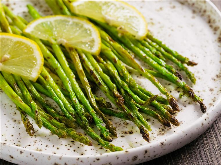 asparagus with lemon and pepper