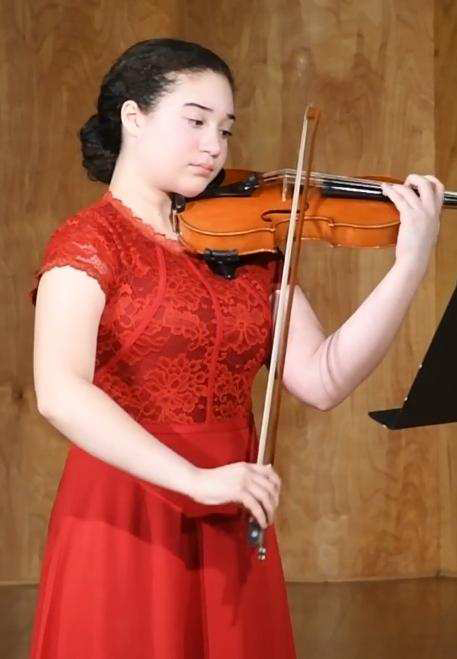 sofia playing the violin