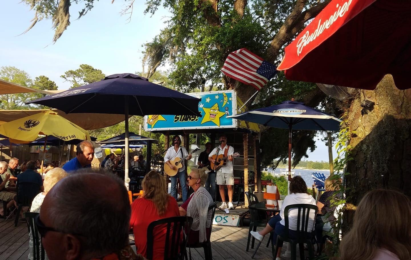 outdoor live music at patios tiki bar