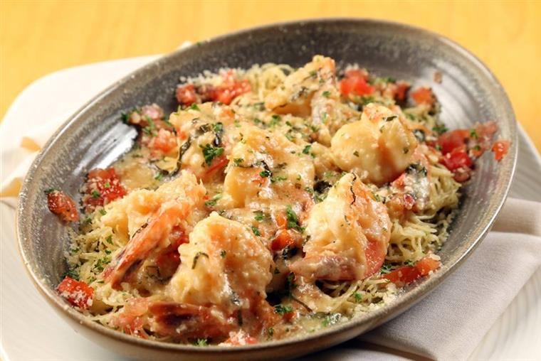 Shrimp and tomato dish