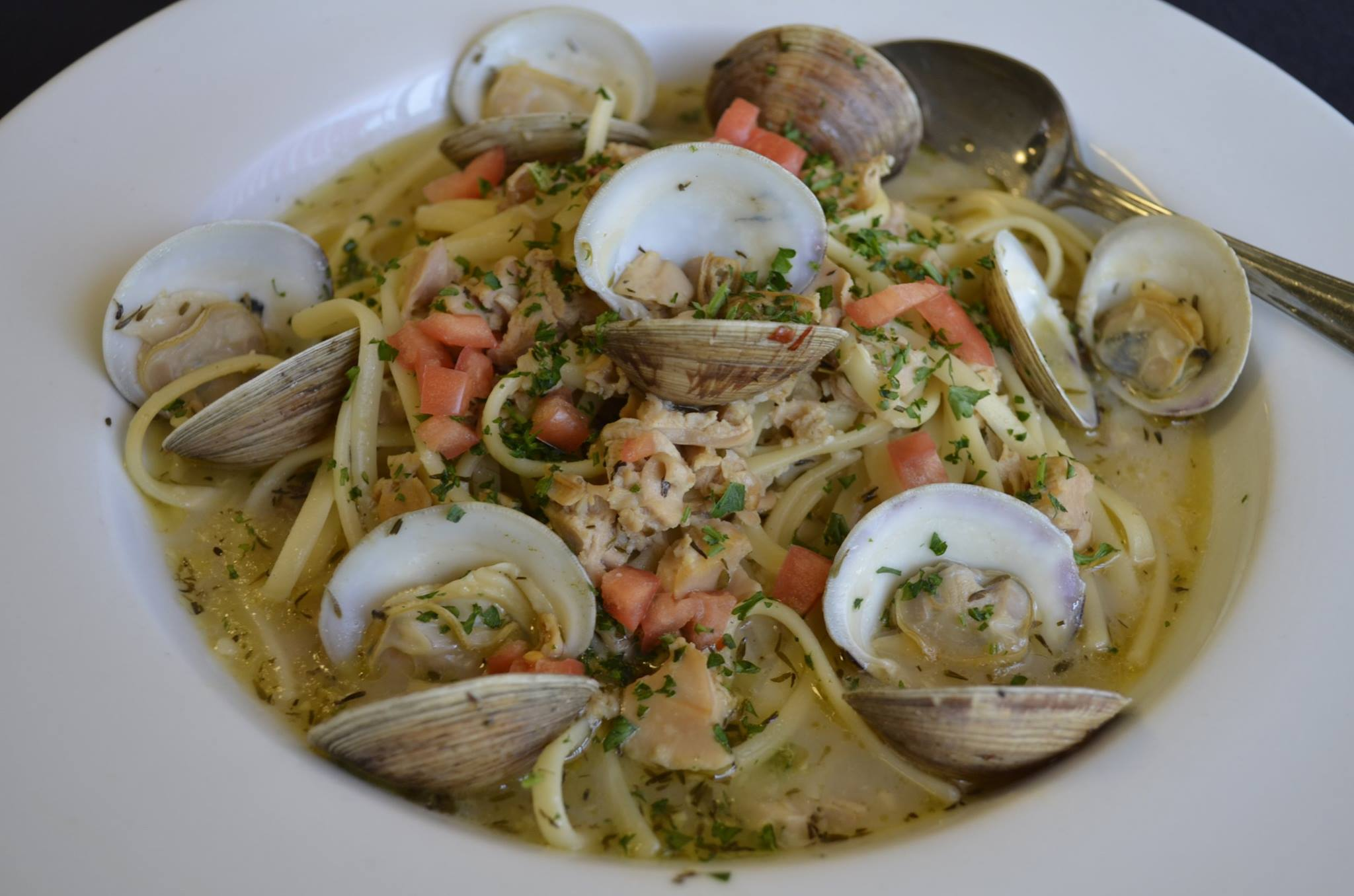 Linguine vongle in a white wine sauce