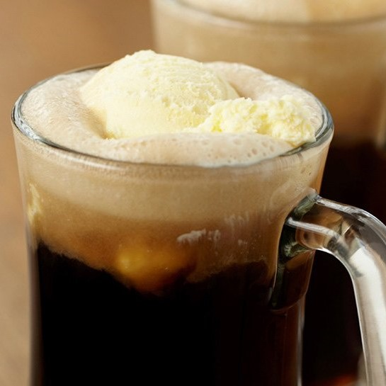 Root beer float in a mug