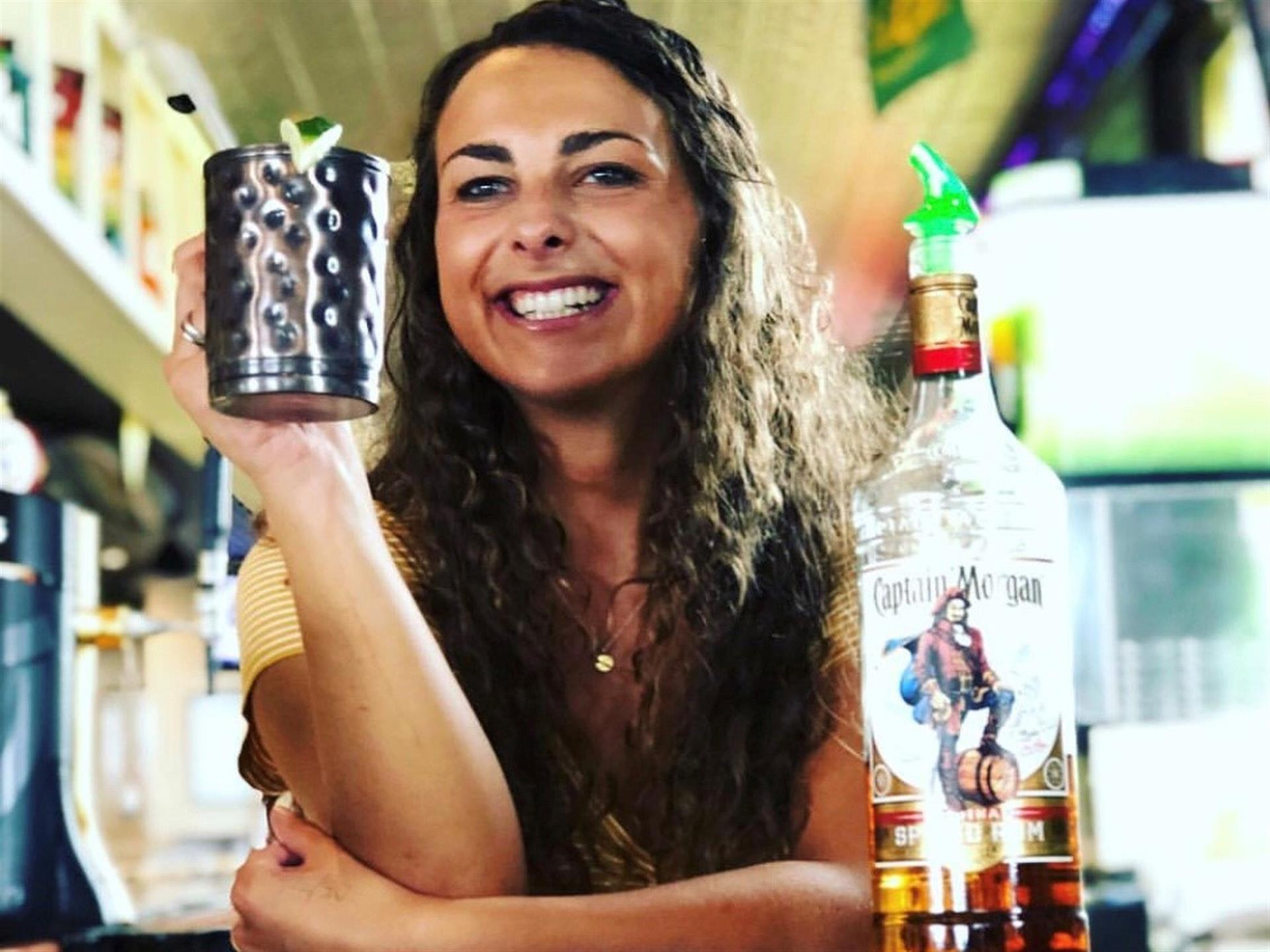 Bartender with brown hair
