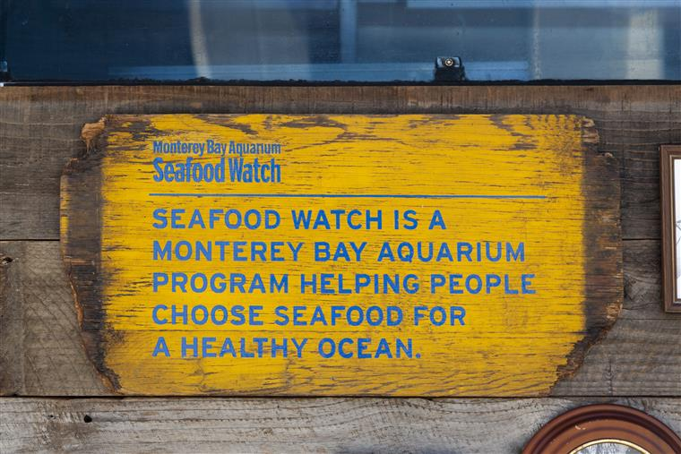 Seafood watch is a monterey bay aquarium program helping people choose seafood for a healthy ocean
