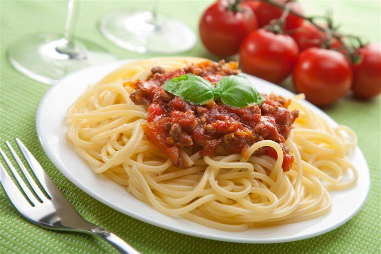 Spaghetti with meat sauce on a plate