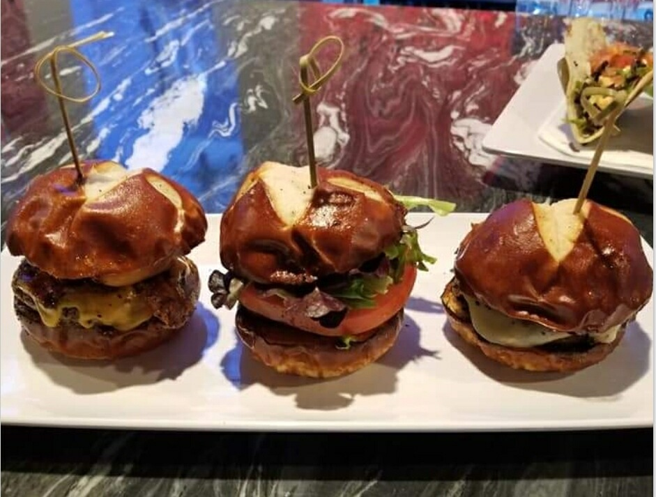 Nick's Angus Beef Sliders with lettuce and tomato