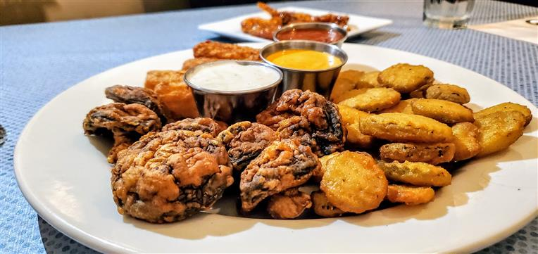 Clarksville Trio - fried mushrooms, fried pickles, and fried cheesesticks
