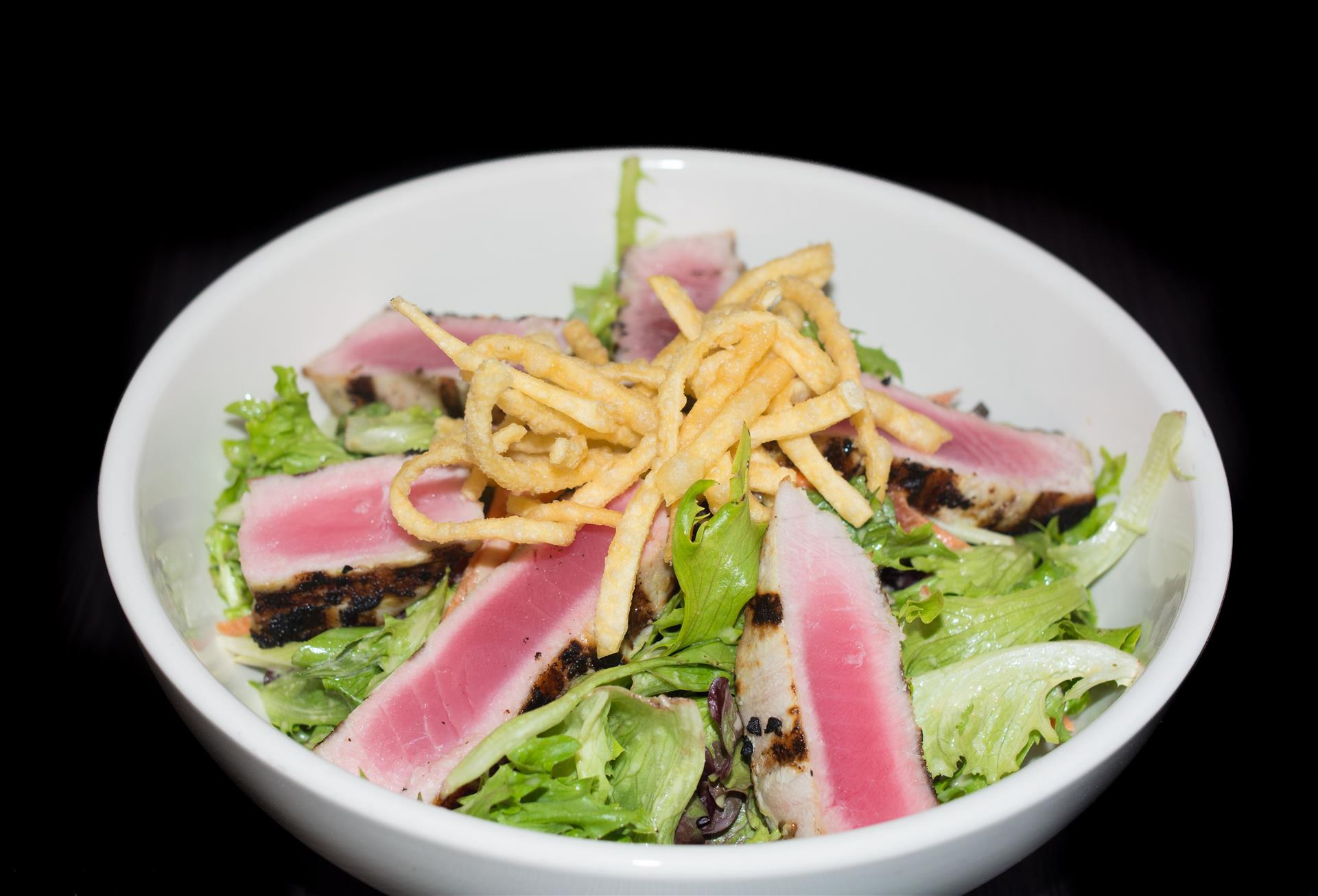 salad with tuna and wonton strips