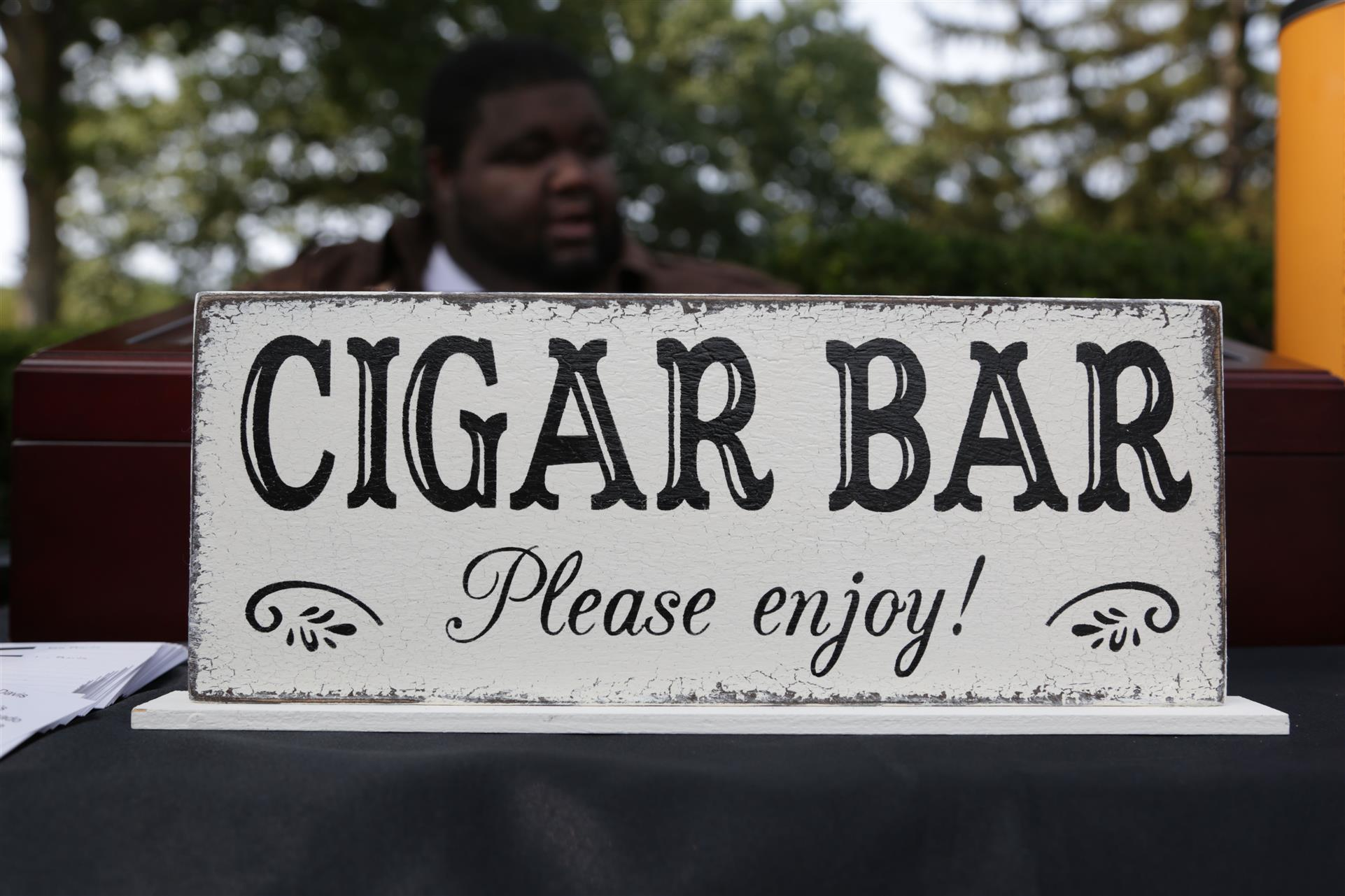 cigar bar please enjoy