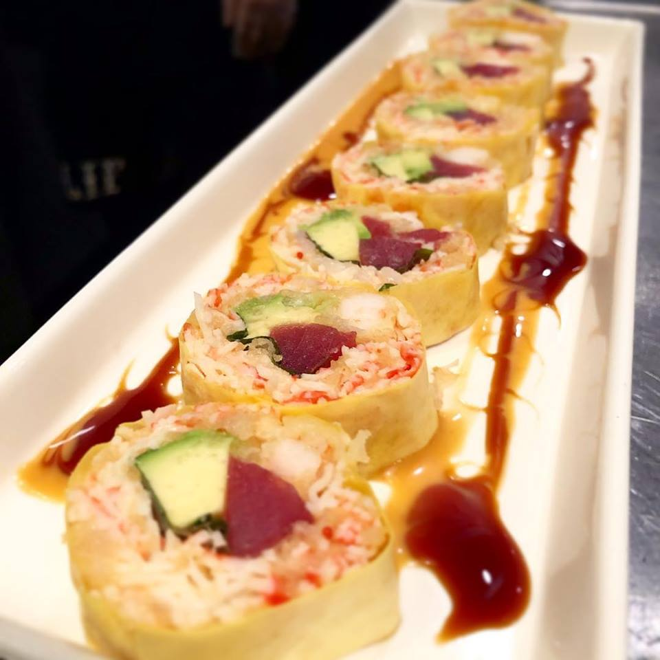 Riceless maki with red tuna, kanikama and avocado