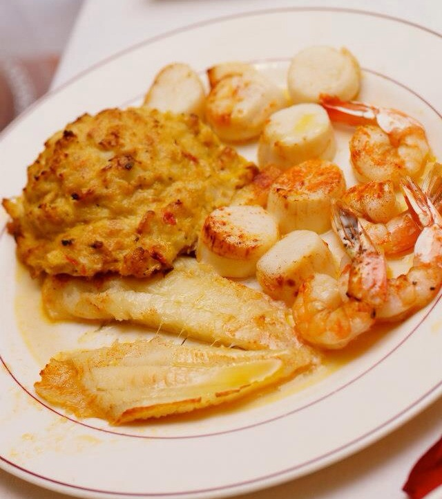 Broiled Seafood Platter*