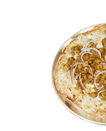 pizza with chicken and onions