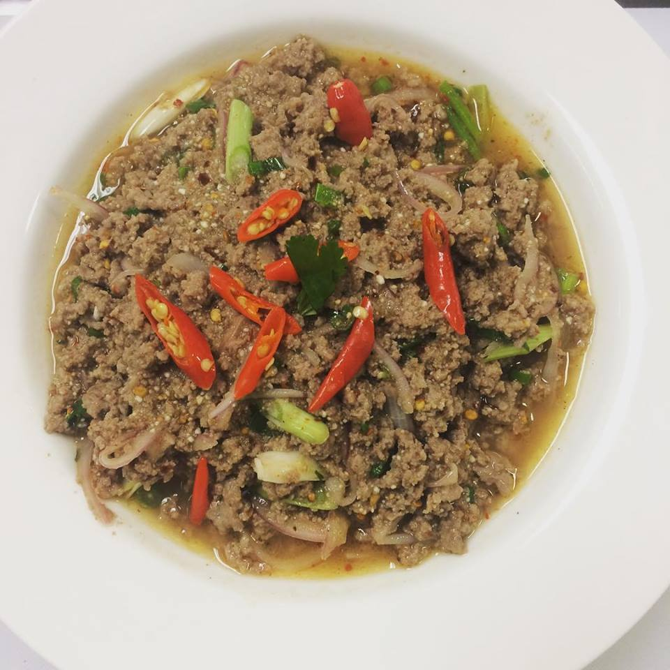 Ground beef laab with chilis