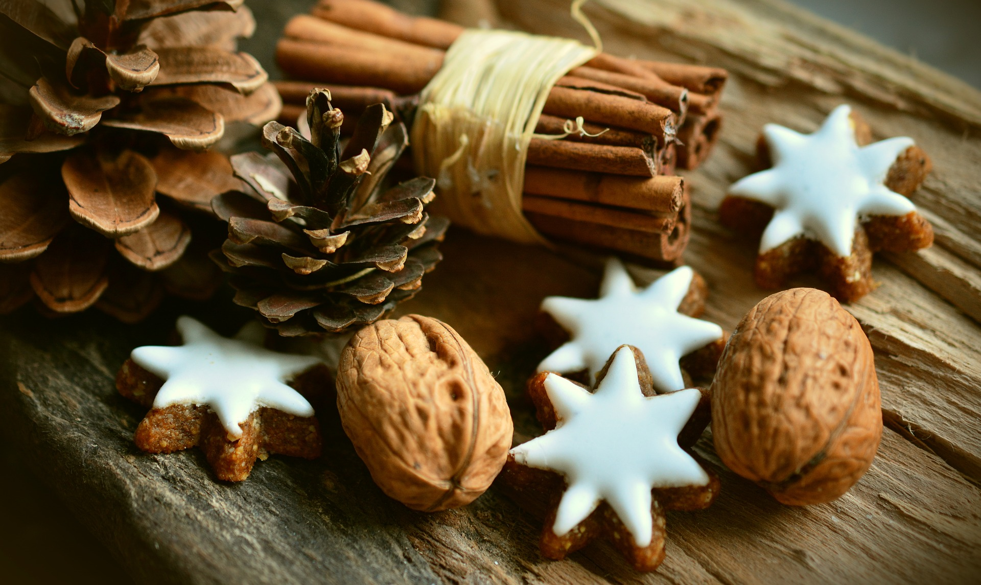 assortment of cinnamon sticks and mini stars