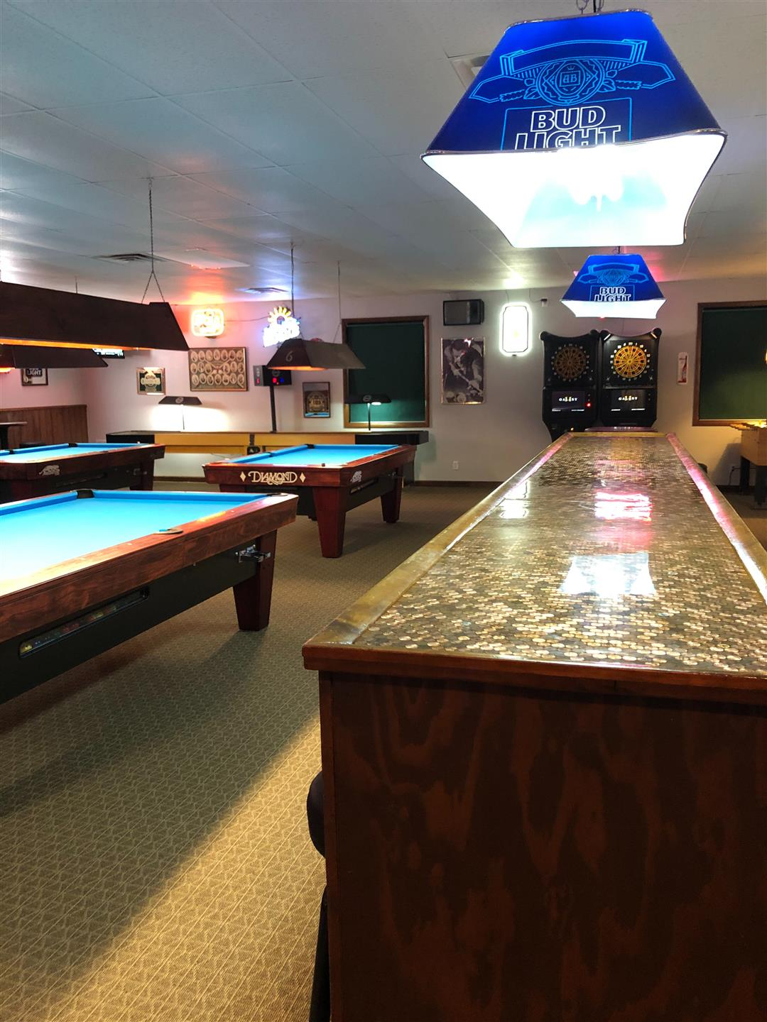 pool tables with lighting