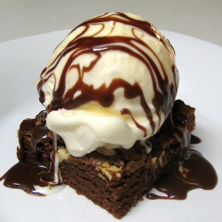 Sanders Hot Fudge Brownie Sundae