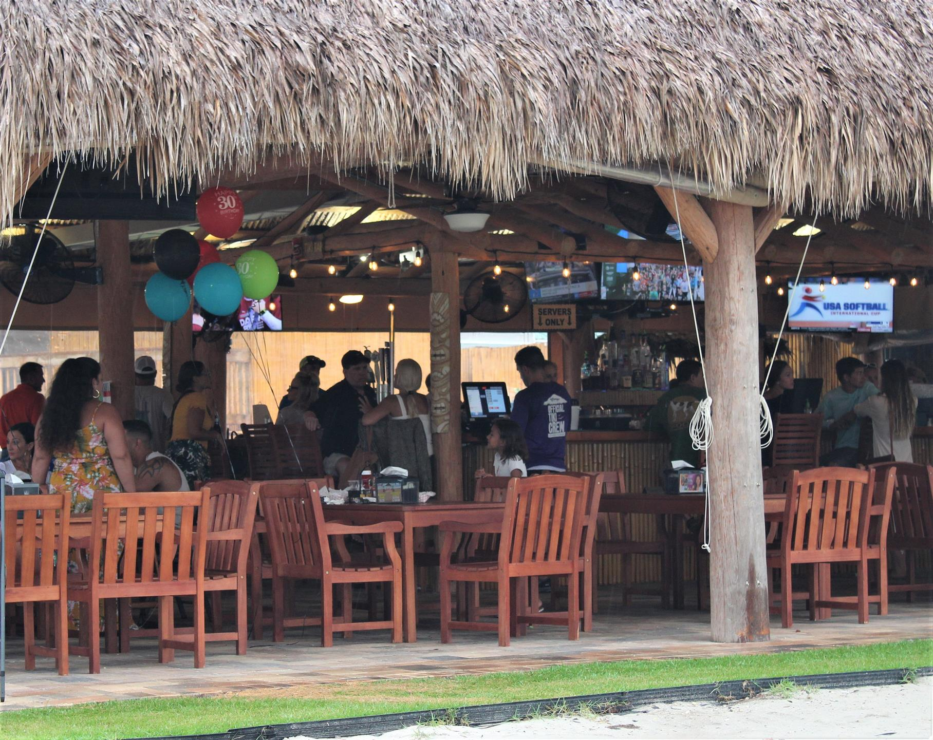outside view of the bar at crump's landing