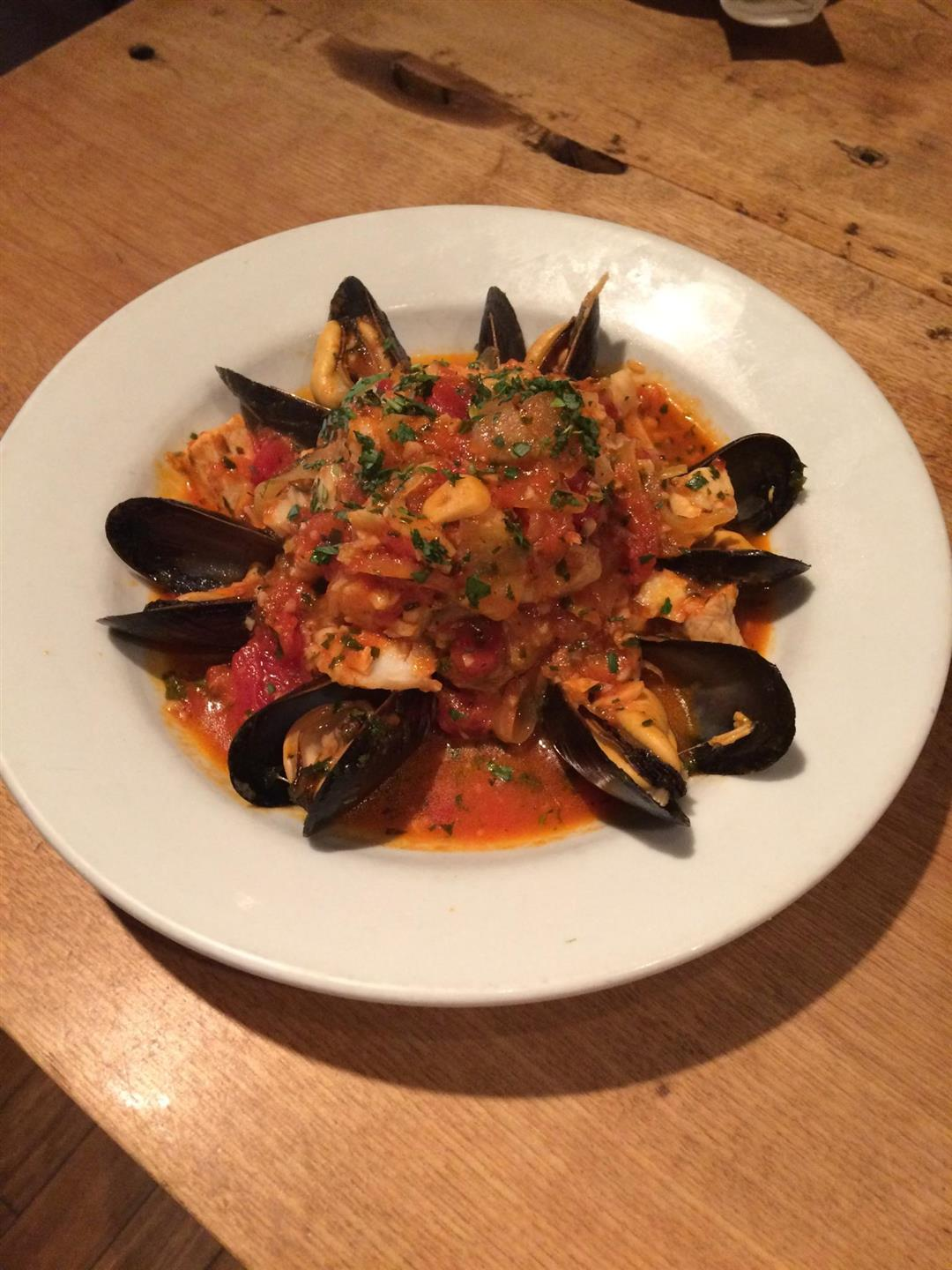 Mussels with sherry wine, garlic and marinara
