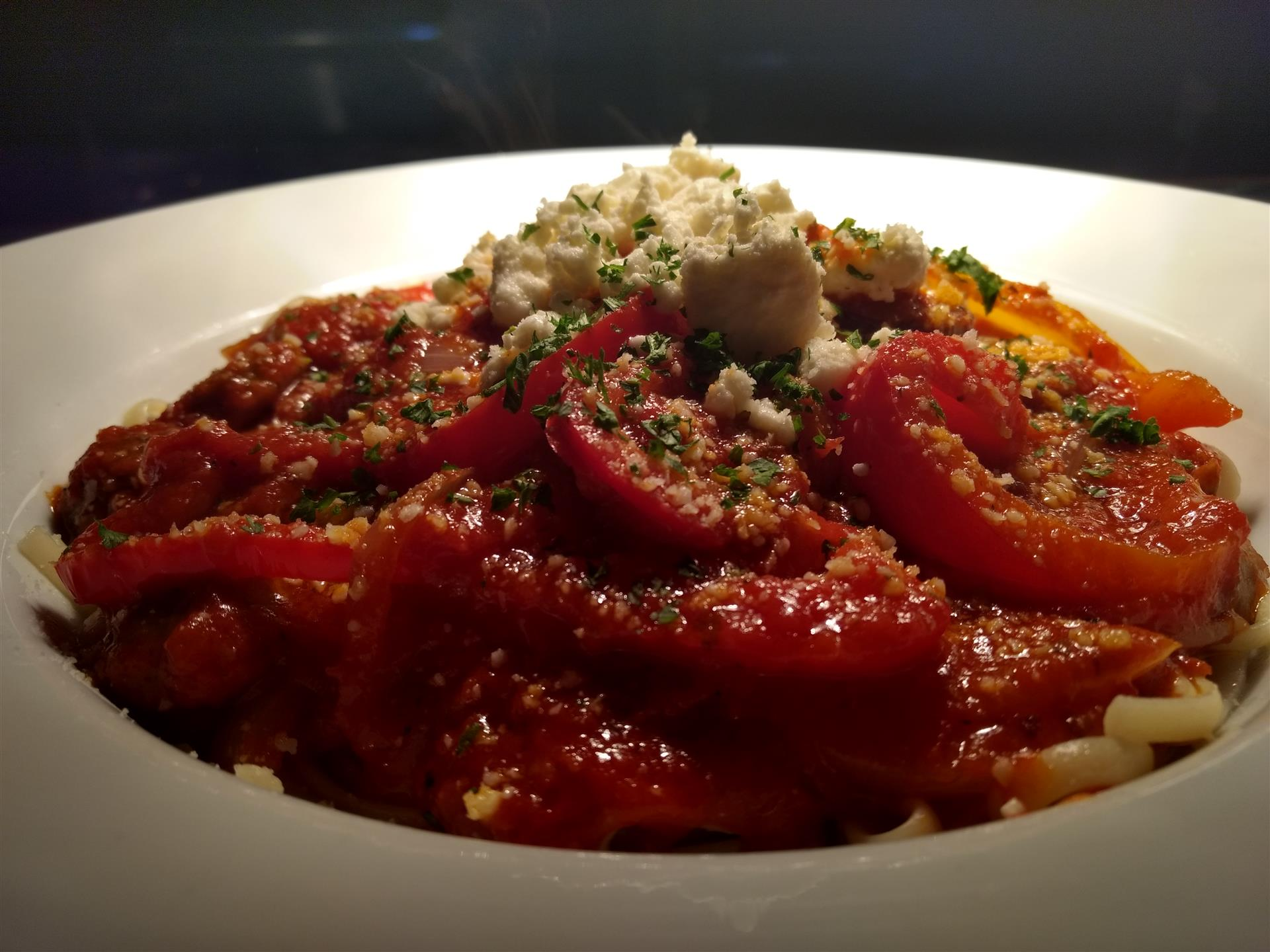pasta with fresh tomatoes, ricotta and basil