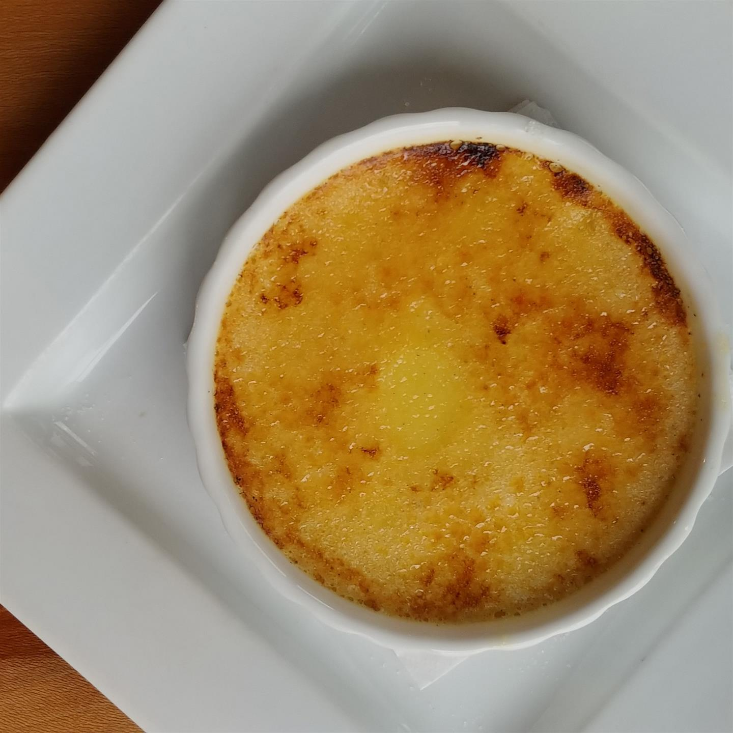 creme brulee in a bowl