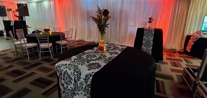banquet rom set up for event