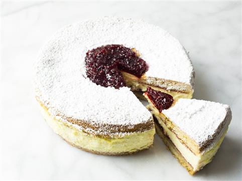 Raspberry Linzer Tart Cheesecake