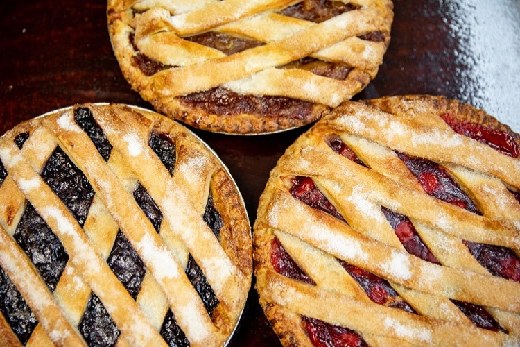 a variation of fruit pies